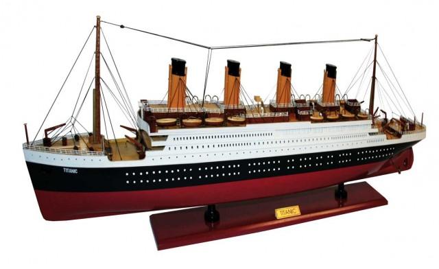 Titanic 77 cm