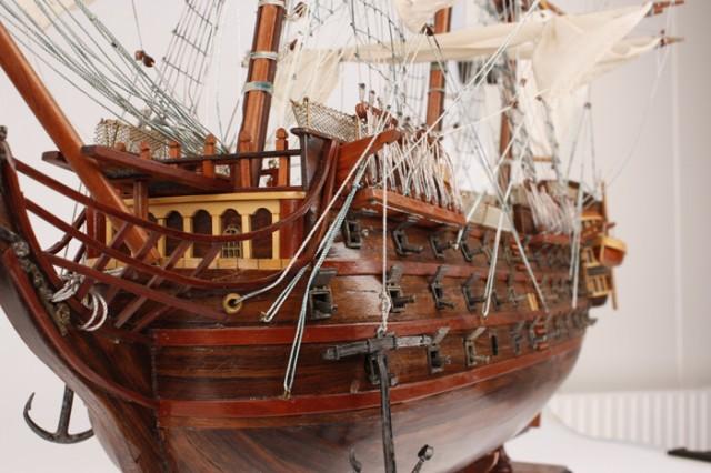 HMS Victory 105 cm